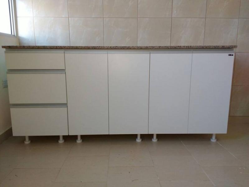 Bajo mesada blanco amoblarte fabrica de muebles ruta 8 for Placares a medida uruguay