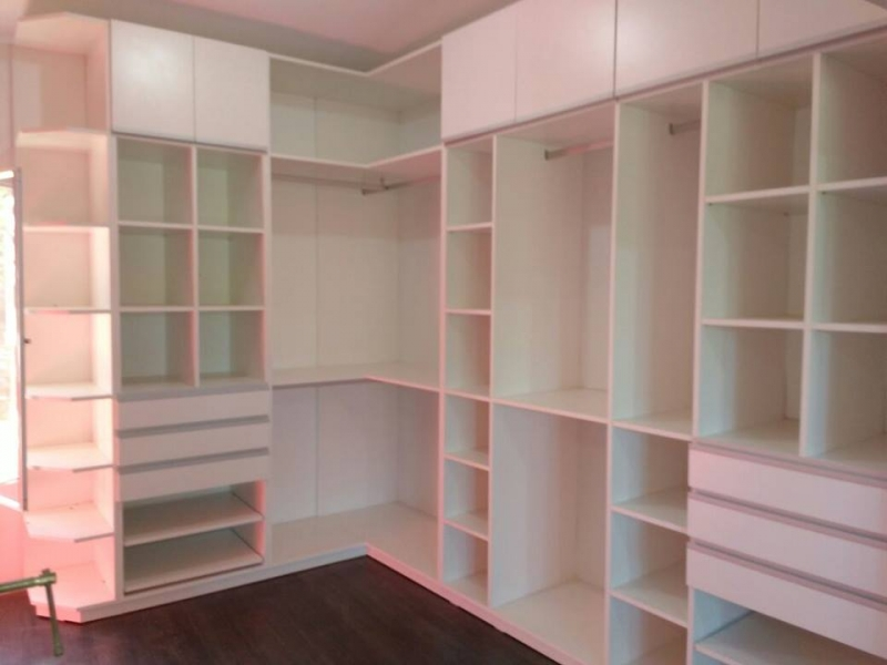 Vestidor blanco amoblarte fabrica de muebles ruta 8 y for Fabrica muebles uruguay